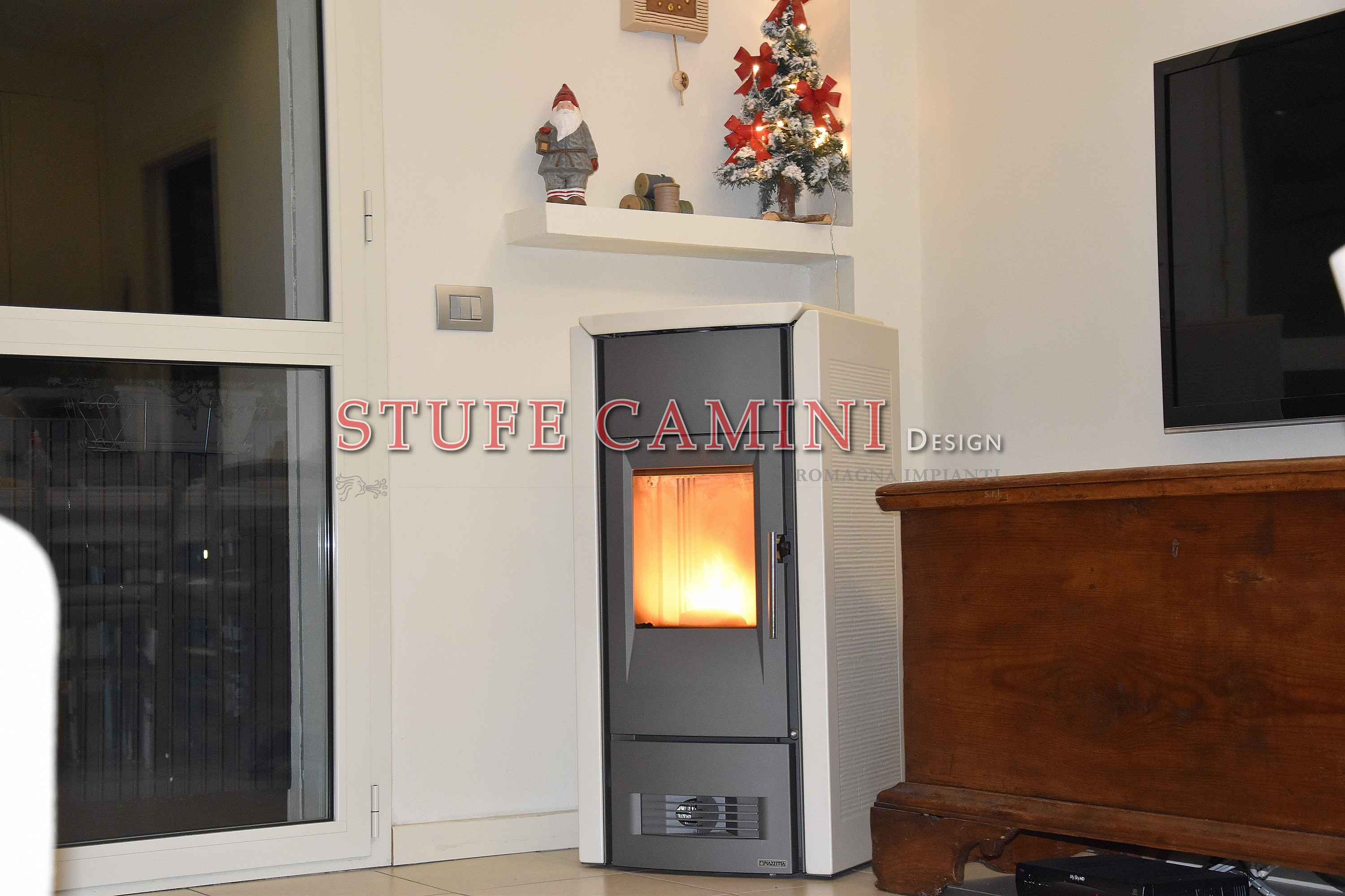Stufe a pellet canalizzabili convenzione naturale for Stufe a pellet design